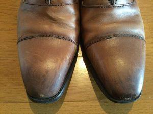 靴磨きの前01